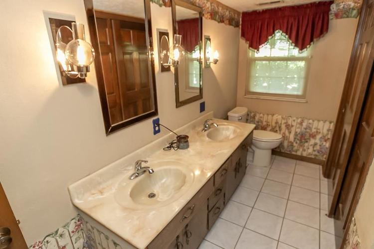 7521 Combs Road Indianapolis IN 46237 | MLS 21722530 | photo 29