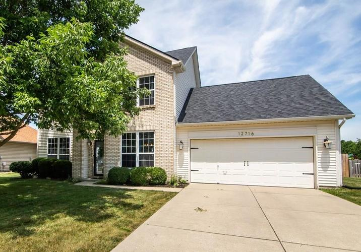 12716  Crystal Pointe Drive Indianapolis, IN 46236   MLS 21722814