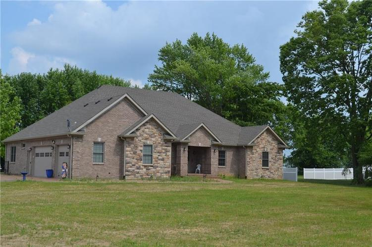 3810 S State Road 47 Crawfordsville IN 47933 | MLS 21723211 | photo 1