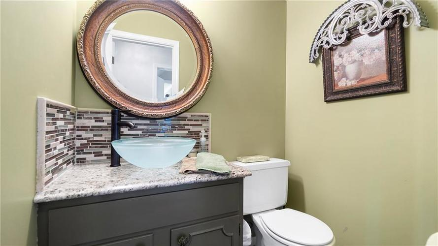 7315 Fulham Drive Indianapolis IN 46250 | MLS 21723326 | photo 14