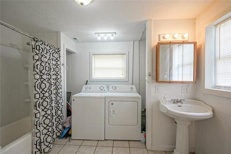 6605 W Morris Street Indianapolis IN 46241 | MLS 21723502 | photo 12
