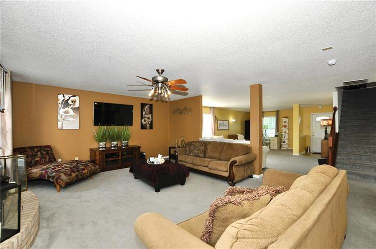 9886 Olympic Circle Indianapolis IN 46234   MLS 21723536   photo 11
