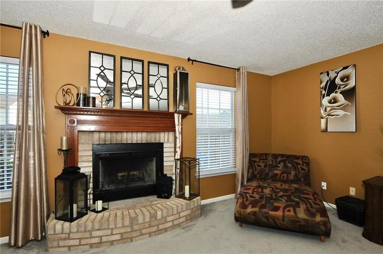 9886 Olympic Circle Indianapolis IN 46234   MLS 21723536   photo 12