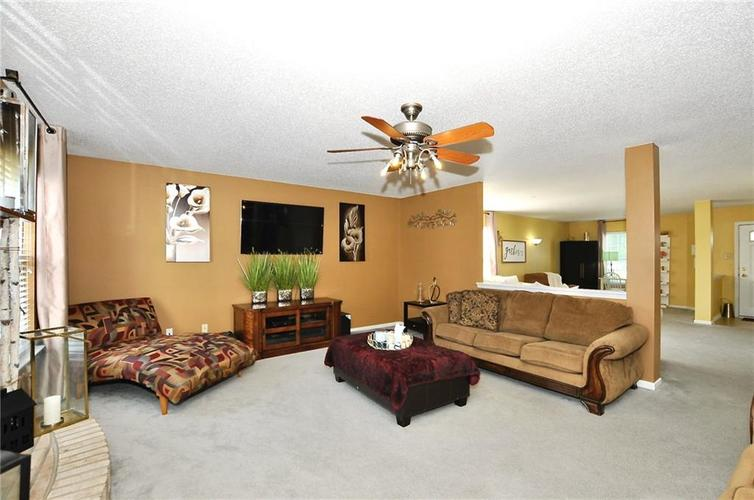 9886 Olympic Circle Indianapolis IN 46234   MLS 21723536   photo 14