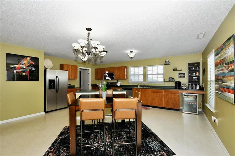 9886 Olympic Circle Indianapolis IN 46234   MLS 21723536   photo 16