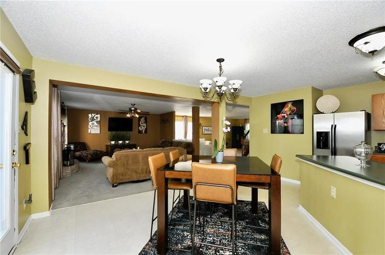 9886 Olympic Circle Indianapolis IN 46234   MLS 21723536   photo 21