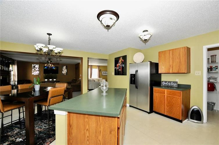 9886 Olympic Circle Indianapolis IN 46234   MLS 21723536   photo 22