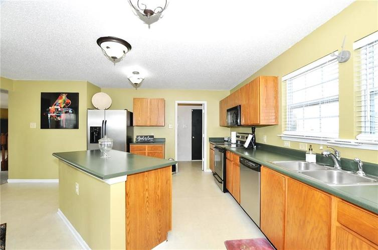 9886 Olympic Circle Indianapolis IN 46234   MLS 21723536   photo 23
