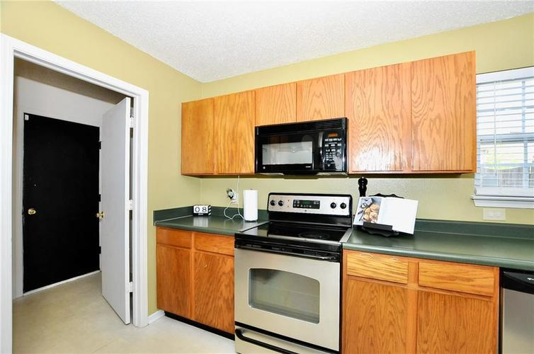 9886 Olympic Circle Indianapolis IN 46234   MLS 21723536   photo 25
