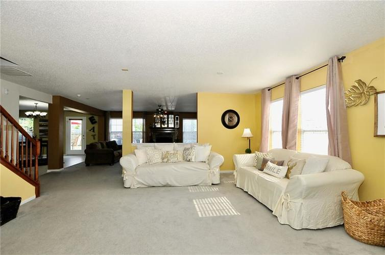 9886 Olympic Circle Indianapolis IN 46234   MLS 21723536   photo 6