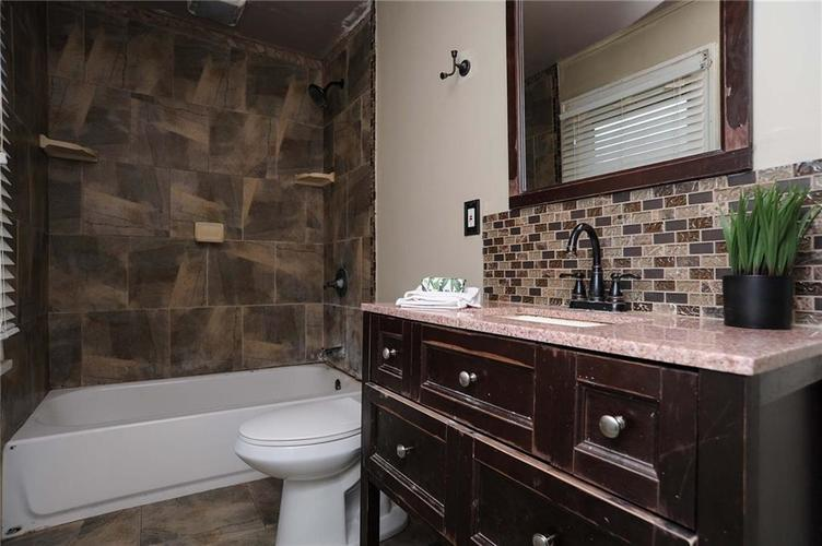 477 S WEBSTER Avenue Indianapolis IN 46219 | MLS 21723799 | photo 17