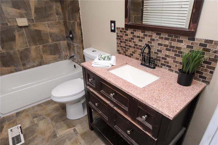 477 S WEBSTER Avenue Indianapolis IN 46219 | MLS 21723799 | photo 18