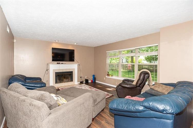 6853 Bretton Wood Drive Indianapolis IN 46268   MLS 21723838   photo 10