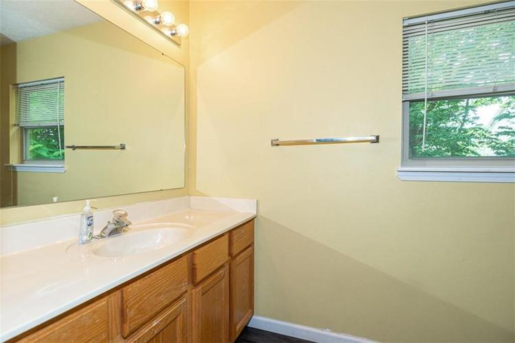 6853 Bretton Wood Drive Indianapolis IN 46268   MLS 21723838   photo 19