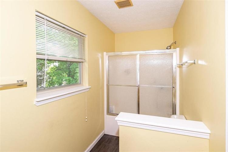 6853 Bretton Wood Drive Indianapolis IN 46268   MLS 21723838   photo 20