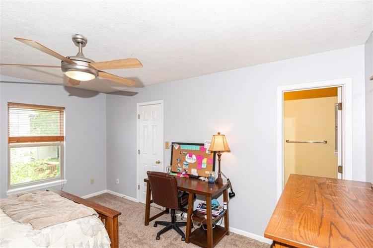 6853 Bretton Wood Drive Indianapolis IN 46268   MLS 21723838   photo 23
