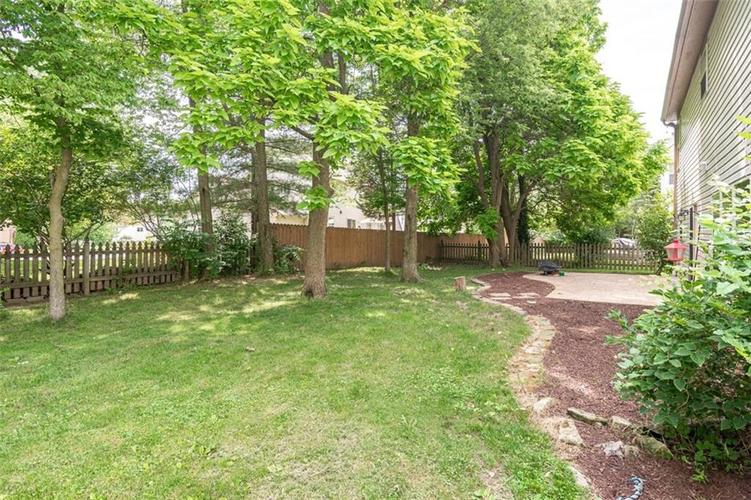 6853 Bretton Wood Drive Indianapolis IN 46268   MLS 21723838   photo 3