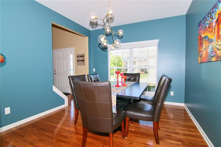 7303 Gold King Way Indianapolis IN 46259 | MLS 21723842 | photo 11