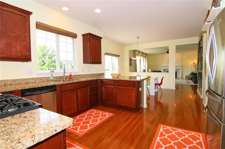 7303 Gold King Way Indianapolis IN 46259 | MLS 21723842 | photo 14