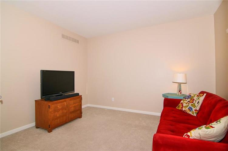 7303 Gold King Way Indianapolis IN 46259 | MLS 21723842 | photo 5