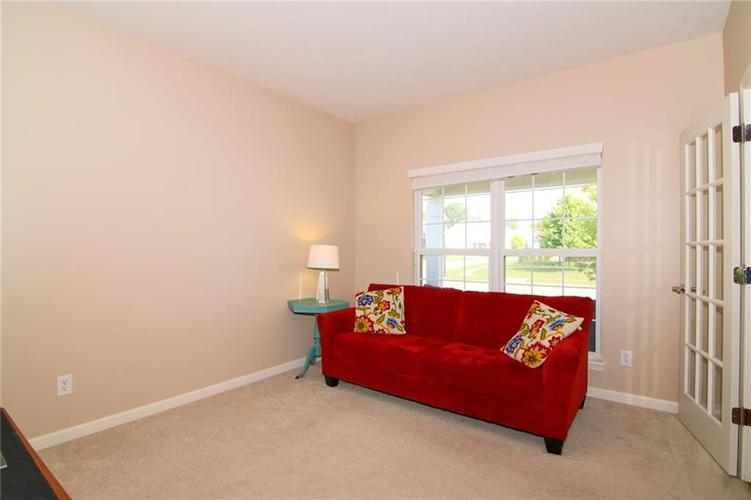 7303 Gold King Way Indianapolis IN 46259 | MLS 21723842 | photo 6
