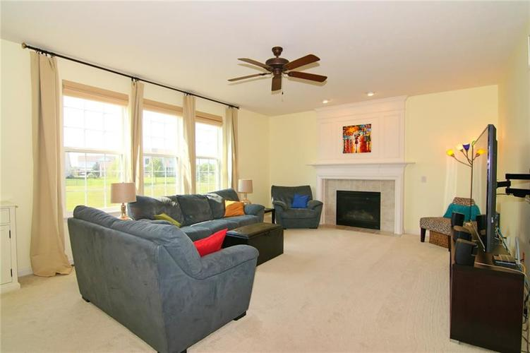 7303 Gold King Way Indianapolis IN 46259 | MLS 21723842 | photo 7