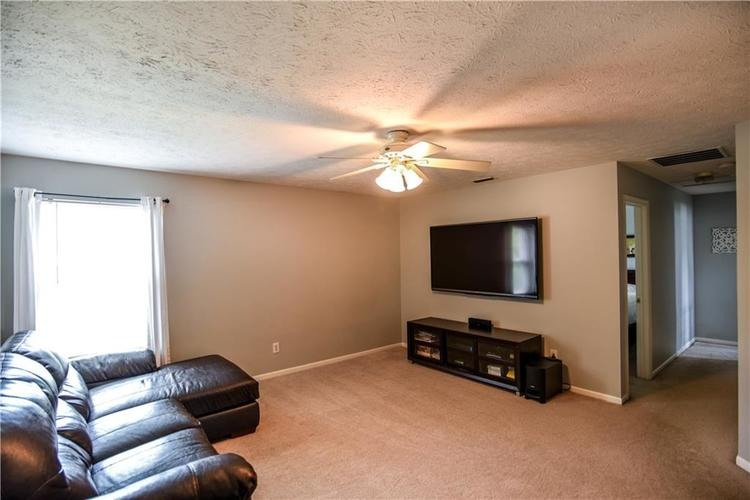 6438 Bonneville Drive Indianapolis IN 46237 | MLS 21724076 | photo 24