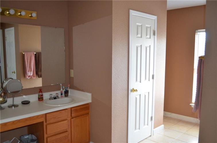 10349 Camby Crossing Fishers IN 46038 | MLS 21724117 | photo 25