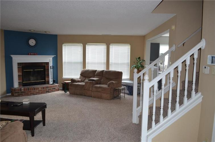 10349 Camby Crossing Fishers IN 46038 | MLS 21724117 | photo 5