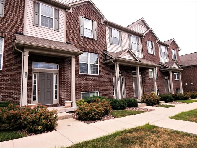8331  CLAYHURST Drive Indianapolis, IN 46278 | MLS 21724202