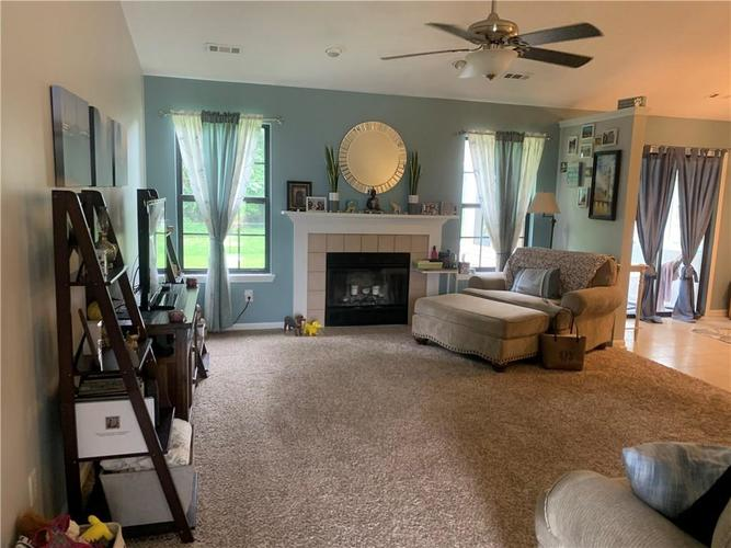 5545 Pine Hill Drive Noblesville IN 46062 | MLS 21724207 | photo 3