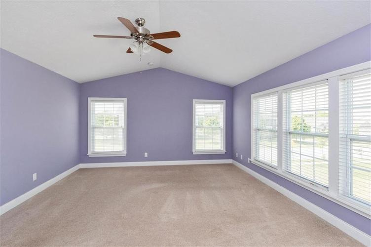 6836 Eagle Crossing Blvd Brownsburg IN 46112 | MLS 21724337 | photo 11