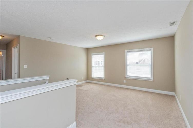 6836 Eagle Crossing Blvd Brownsburg IN 46112 | MLS 21724337 | photo 20