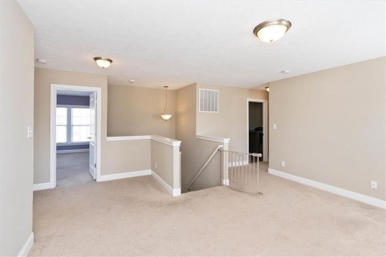 6836 Eagle Crossing Blvd Brownsburg IN 46112 | MLS 21724337 | photo 21