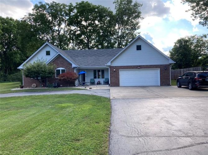 262  Howard Road Greenwood, IN 46142 | MLS 21724371
