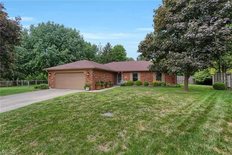 8140 Front Royal Court Indianapolis IN 46227 | MLS 21724395 | photo 2