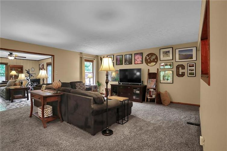8140 Front Royal Court Indianapolis IN 46227 | MLS 21724395 | photo 8