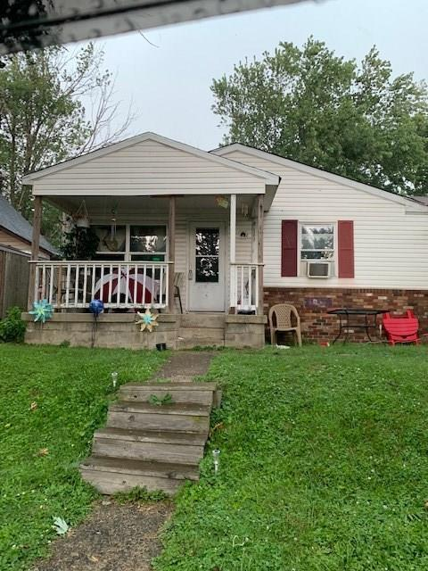 1612 Cruft Street Indianapolis IN 46203 | MLS 21724453 | photo 1