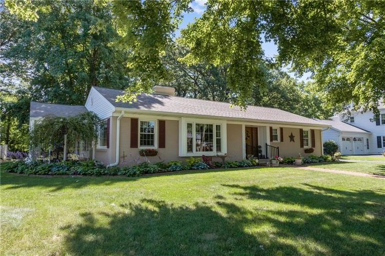 1000  SPRING HILL Road Shelbyville, IN 46176   MLS 21724463