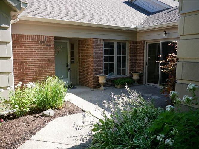8511 W Olde Mill Circle W Dr  Indianapolis, IN 46260 | MLS 21724488