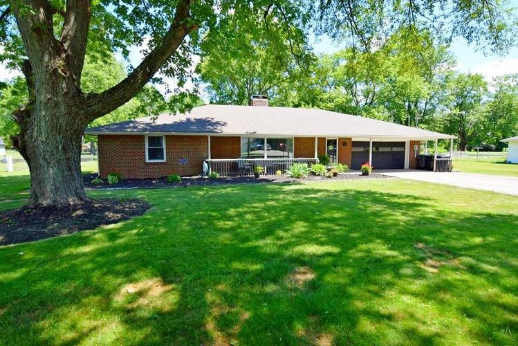 4038 S 50 W Anderson IN 46013 | MLS 21724869 | photo 1