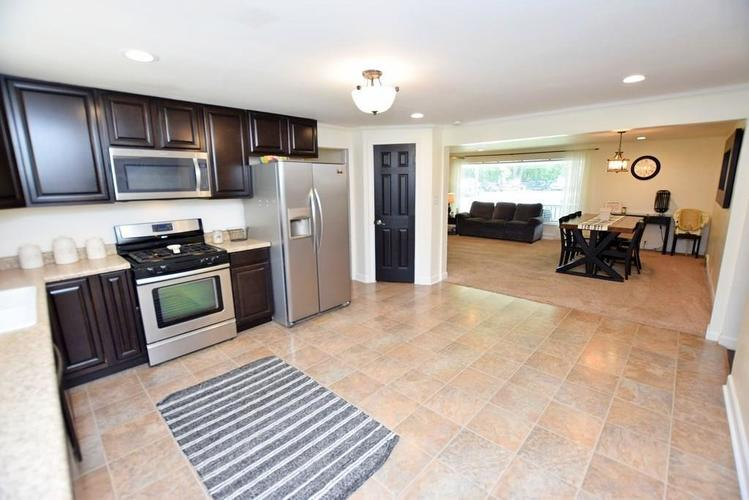 4038 S 50 W Anderson IN 46013 | MLS 21724869 | photo 12