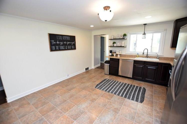 4038 S 50 W Anderson IN 46013 | MLS 21724869 | photo 14
