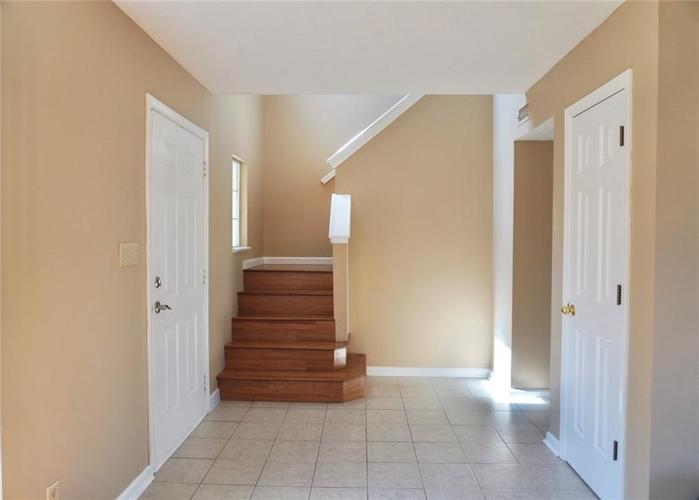 5210 WATERTON LAKES Drive Indianapolis IN 46237 | MLS 21725080 | photo 2
