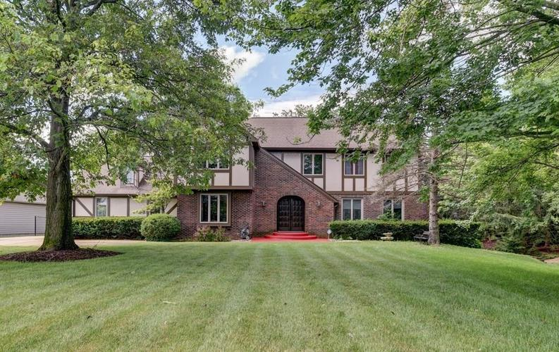 319 W 96th Street Indianapolis IN 46260   MLS 21725083   photo 1