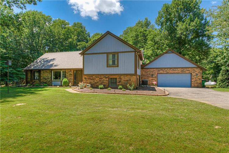 9434 N THREE POINT  Mooresville, IN 46158 | MLS 21725339