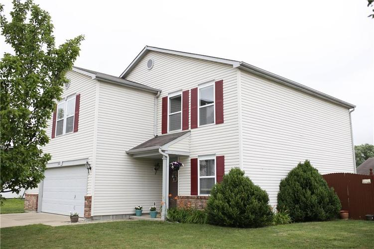 8943 Limberlost Court Camby IN 46113 | MLS 21725349 | photo 2