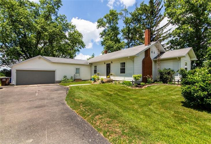 9269 N County Road 650 W Connersville IN 47331 | MLS 21725566 | photo 2