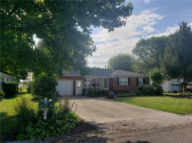 1209 N EAST Street Greensburg, IN 47240 | MLS 21725793