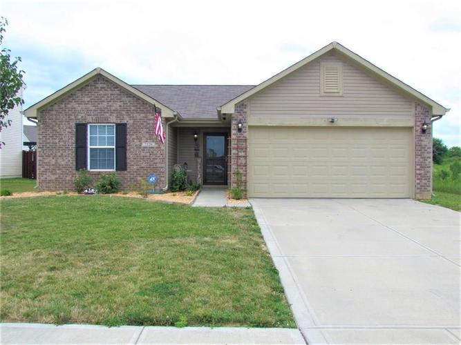 7526 Firecrest Lane Camby IN 46113 | MLS 21725817 | photo 1